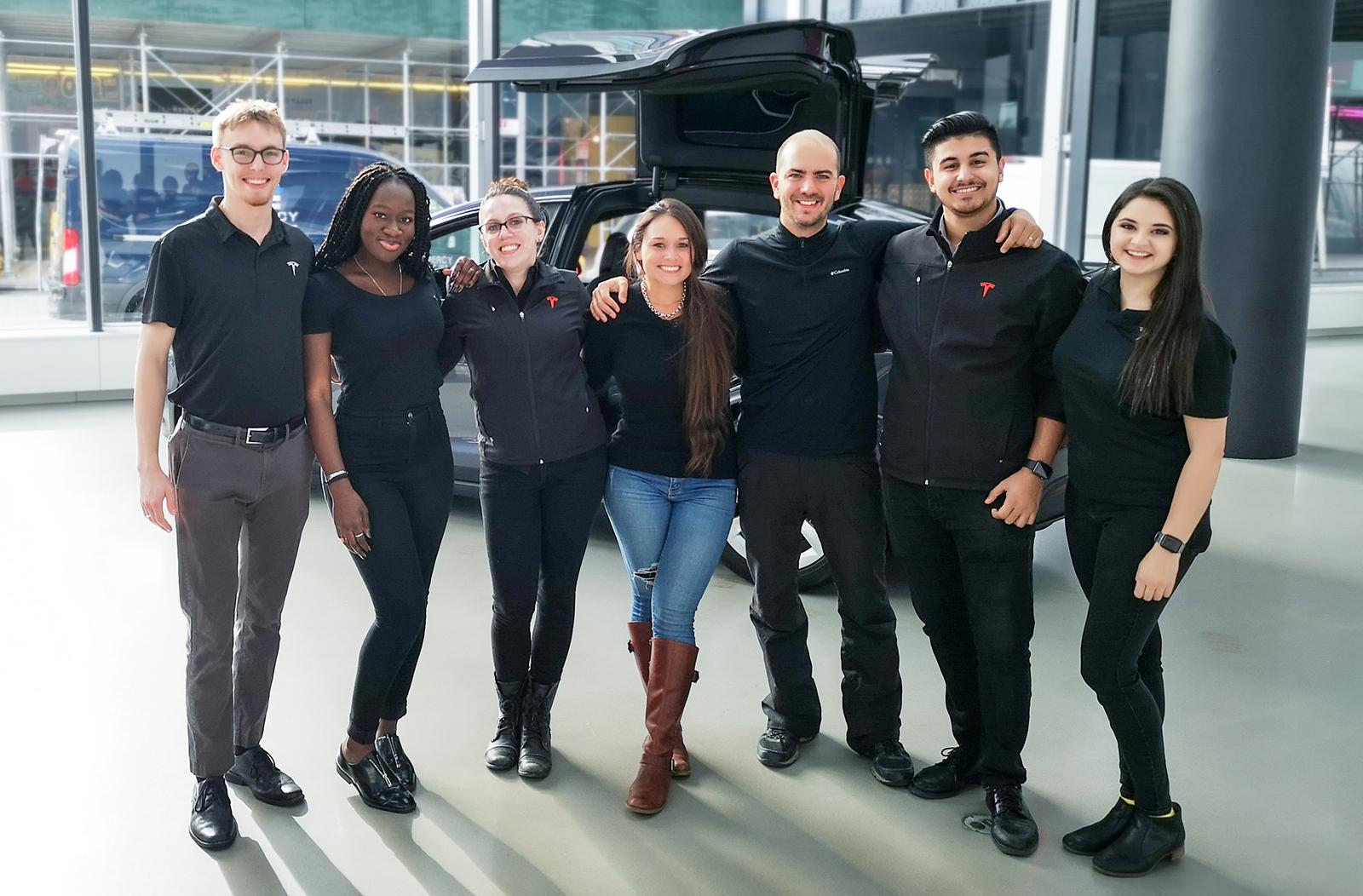 Junto al grupo en Tesla NYC.